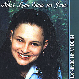 Nikki Lynn Sings for Jesus