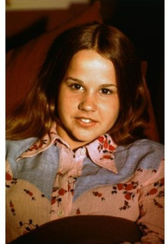 Biography - Linda Blair