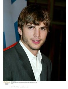 Biography - Ashton Kutcher