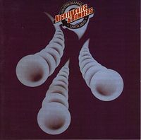 Manfred Mann's Earth Band - Nightingales and Bombers
