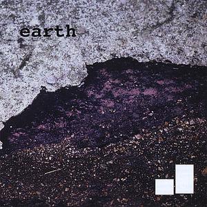 Earth/ Moon
