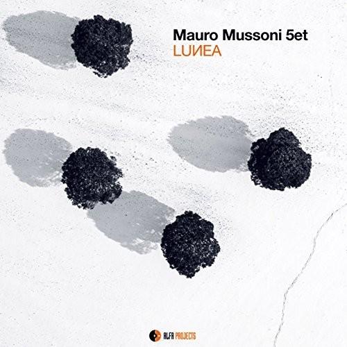 Lunea [Import]