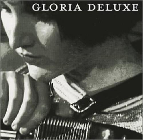 Gloria Deluxe