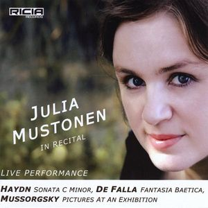 Julia Mustonen in Recital