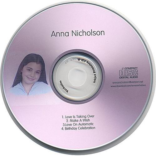 Anna Nicholson