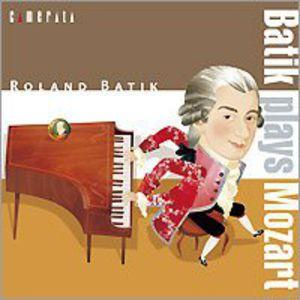 Batik Plays Mozart